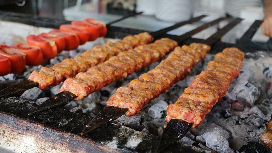 Adana'da 3 günde 35 ton et tüketildi