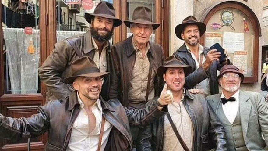 Harrison Ford'a Indiana Jones sürprizi: Hayranları kostümle sete koştu