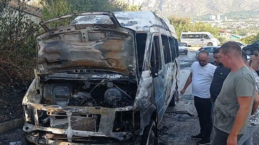 Servis şoförünün dikkati öğrencilerin hayatını kurtardı