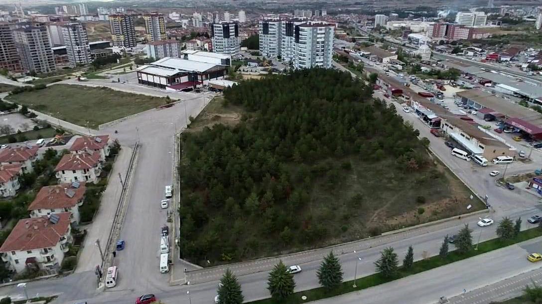 AKP'li belediye imara açtı, MHP'li belediye satma kararı aldı