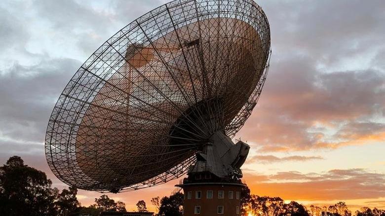 Bilim insanları açıklayamadı: Samanyolu'nun merkezinden gizemli sinyaller