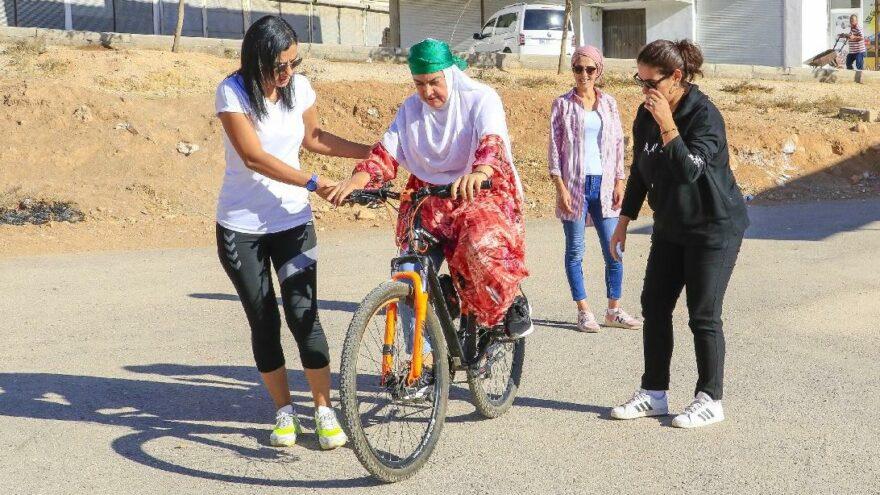Beş ayda Mardinli 72 kadına bisiklet sürmeyi öğretti