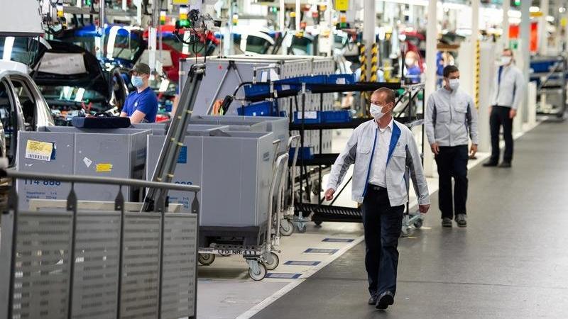 Avrupa'da sanayi üretiminde 16 ayın en sert düşüşü