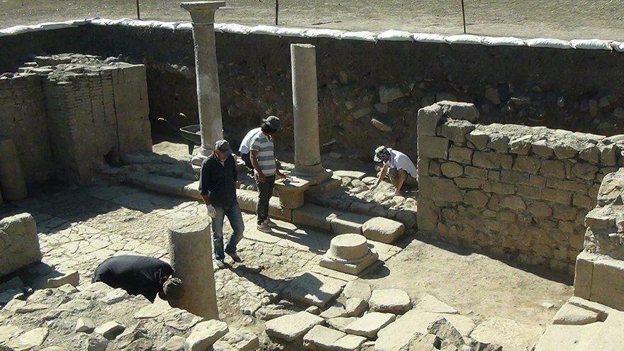 Gümüşhane'de Urartu savaşçısının bronz kemeri bulundu