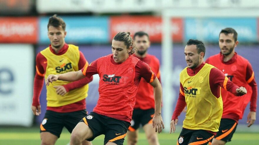 Galatasaray'da milli oyuncular da antrenmanda yer aldı