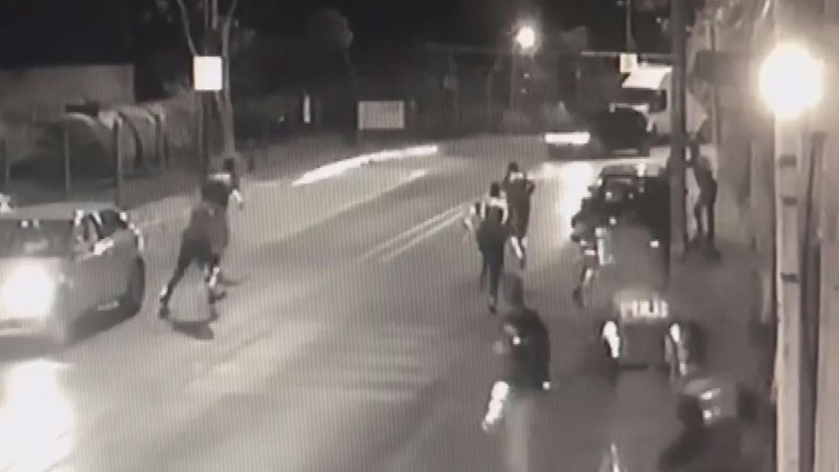 Avcılar'da polise silahlı saldırı